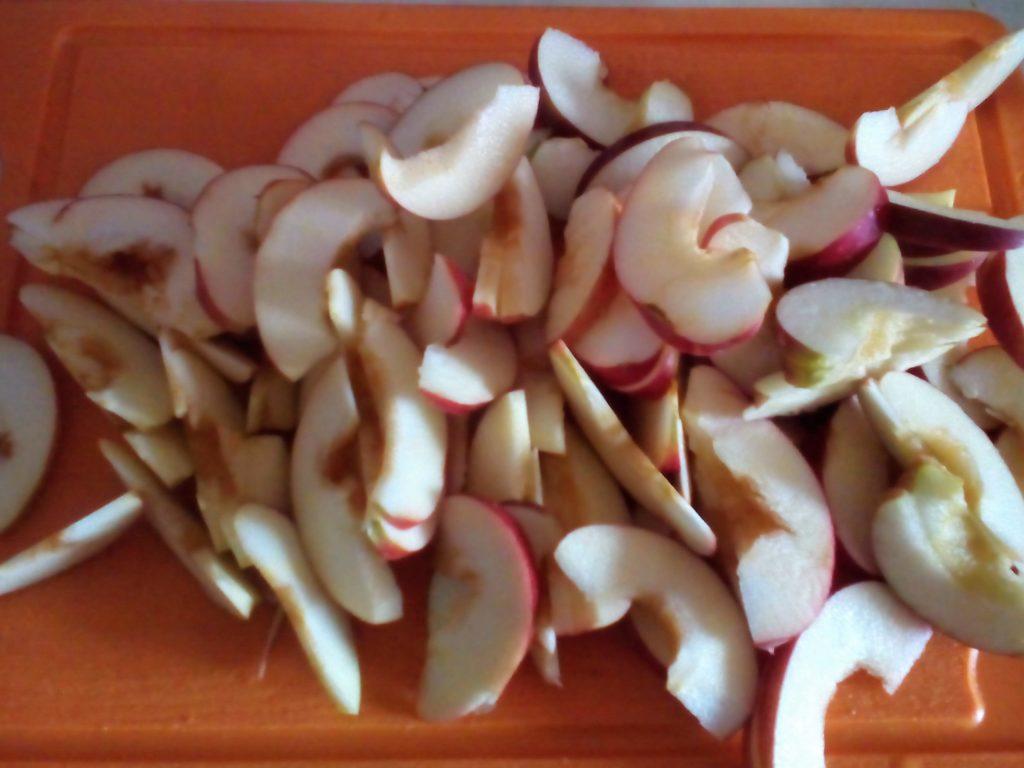 Рецепт шарлотки с яблоками - простой, быстрый и вкусный