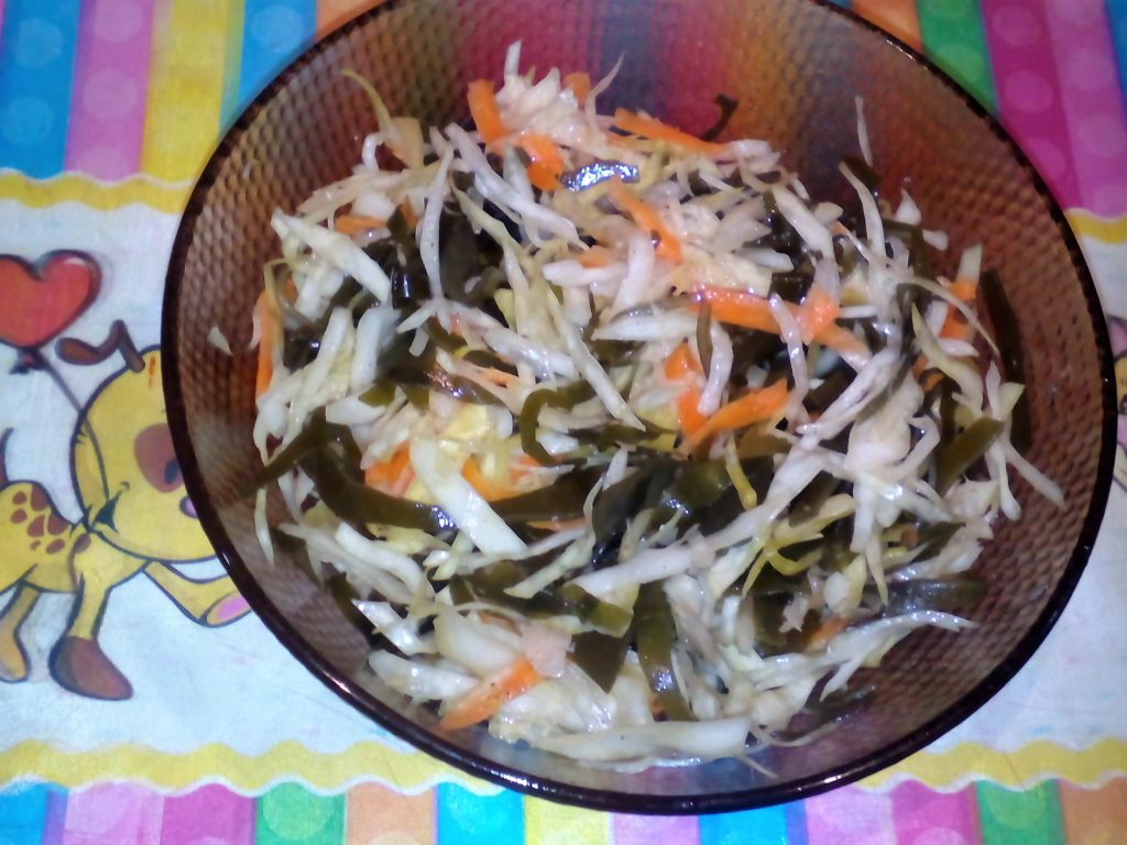 Рецепт очень вкусной домашней квашеной капусты.