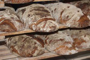 грубый хлеб на завтрак