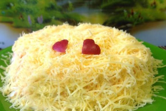 Салат с курицей ананасом и сыром и грибами рецепт с фото пошагово